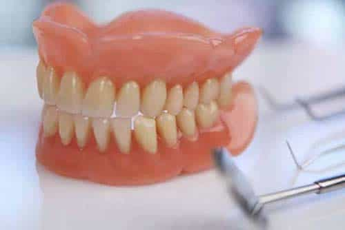 protese-dentaria-min-min-min-min