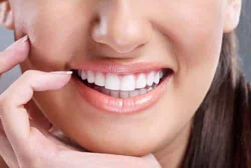 clareamento-dentario-min-min-min-min